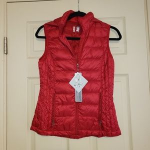 NWT Red puffer vest